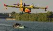 Canadair écopage sur le Rhône
